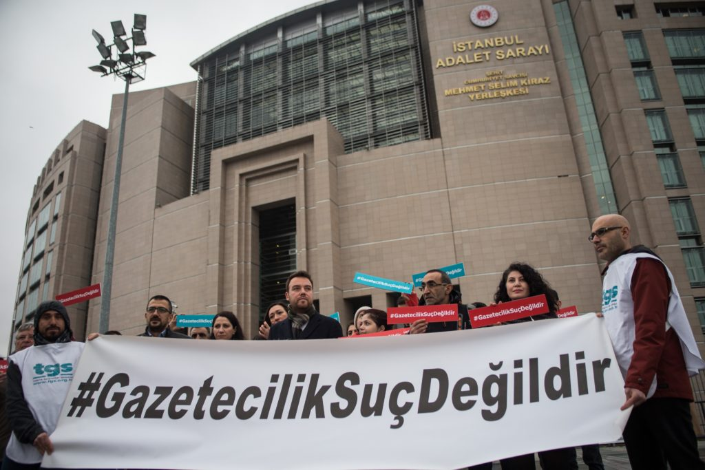 Turkey's Journalists' Union holds nationwide protests against latest wave of arrests - Journo